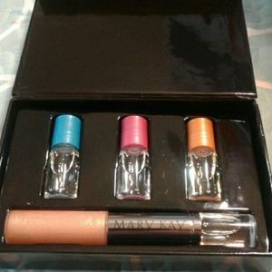 Mary Kay Simply Chic Fragrance ~ Lip Gloss Duo